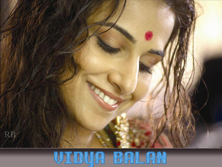 Hot Vidya Balan Wallpaper