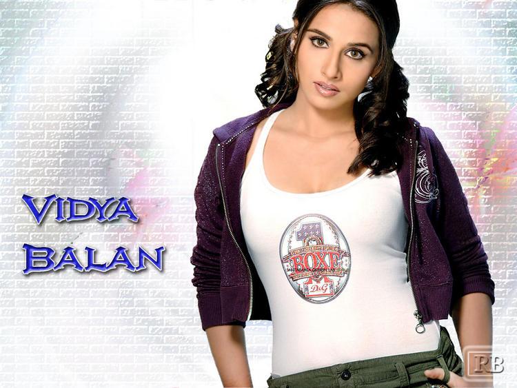 Vidya Balan Cute Hair Style Wallpaper