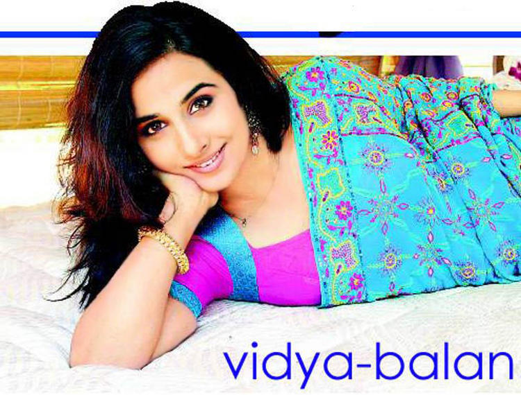 Vidya Balan Cute Sweet Look Wallpaper