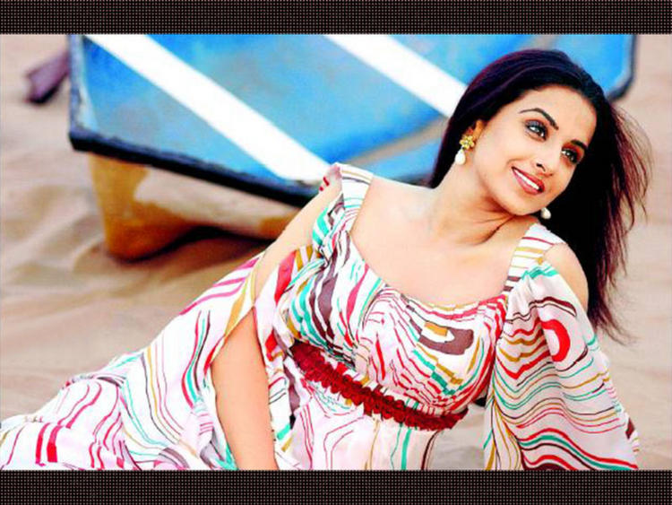 Vidya Balan Stunning Beauty Face Wallpaper