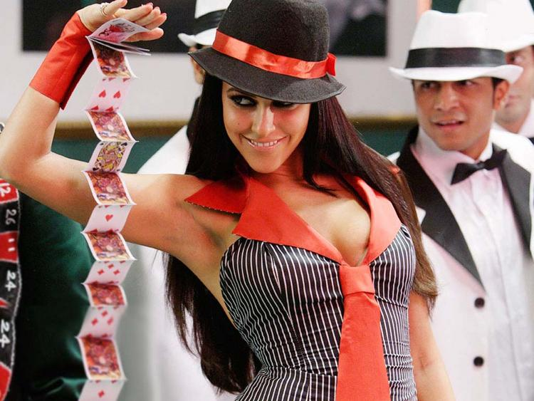 Neha Dhupia Sexy Cleavages Show Cute Wallpaper