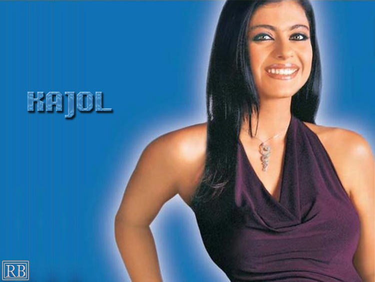 Kajol Devgan Beautiful Smile Wallpaper