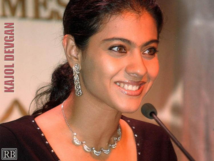 Kajol Devgan Gorgeous Smile Face Wallpaper