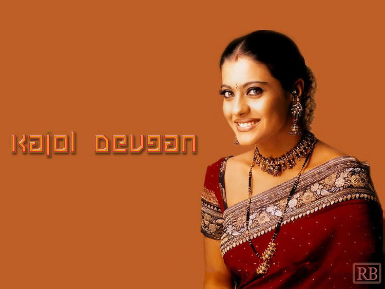 Kajol Devgan Indian Look Sweet Wallpaper
