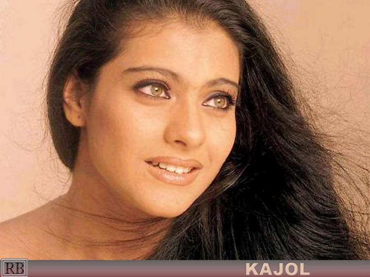 Kajol Devgan Romantic Look Wallpaper