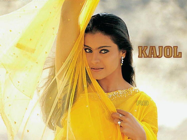 Kajol Devgan Sexy Romantic Look Wallpaper