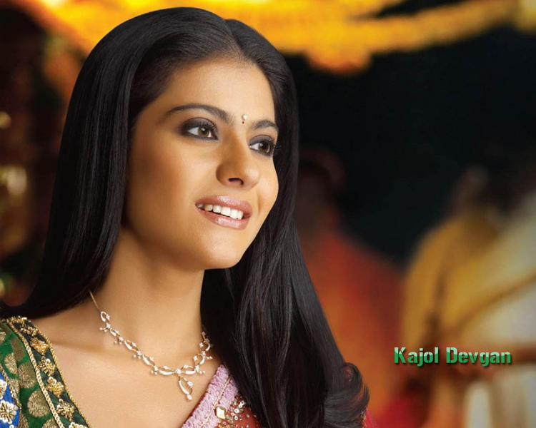 Sizzling Beauty Kajol Devgan Wallpaper