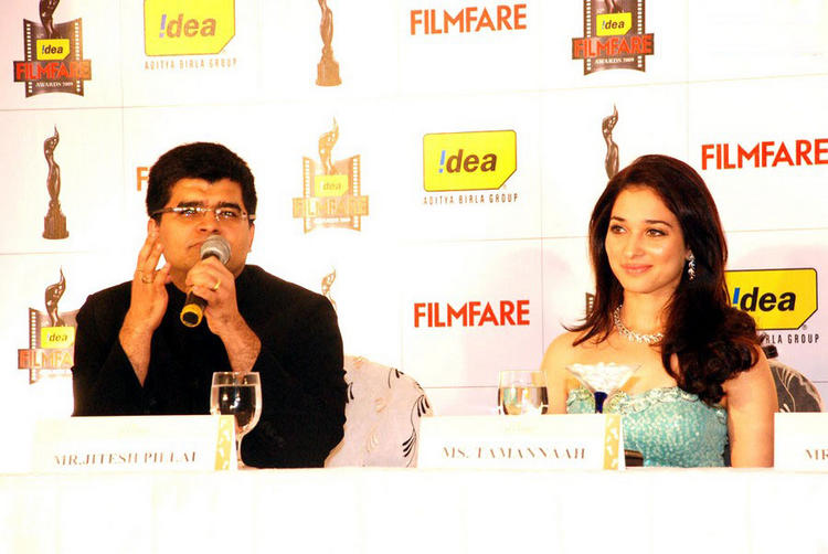 Tamanna Gorgeous Pic at 57th Filmfare Awards Announcement
