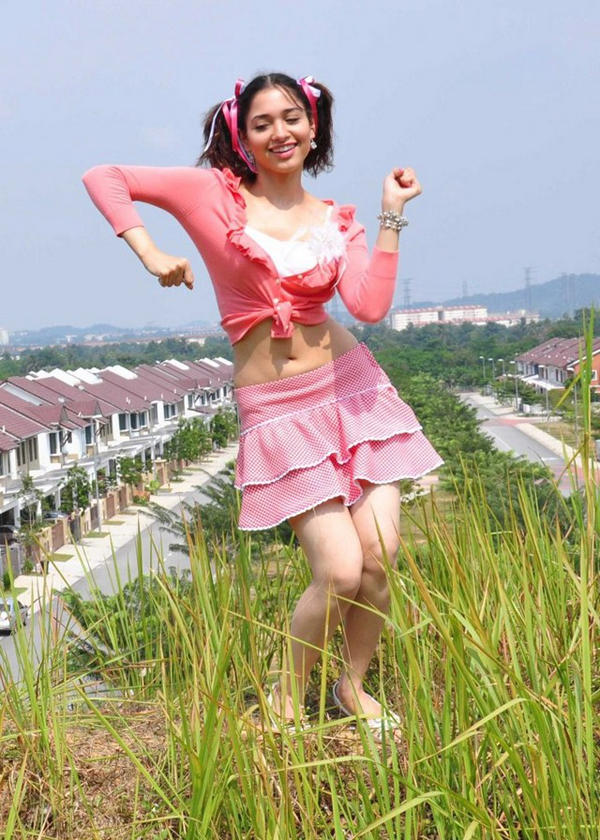files%2F2012%2F60286%2Ftamanna-mini-skirt-cute-dance-photo.jpg