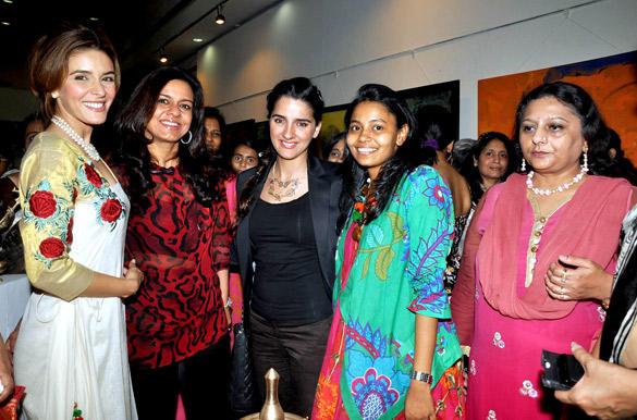 Nisha Jamwal at Poonam Salecha Painting Exhibition
