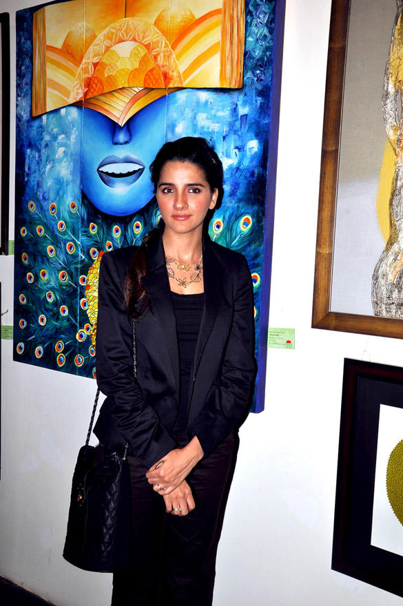 Shruti Seth at Poonam Salecha Painting Exhibition