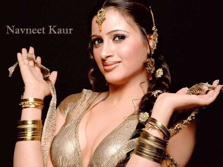 Navneet Kaur Glamour Wallpaper
