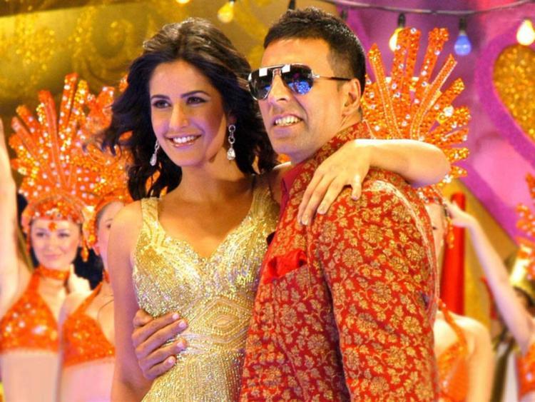 Akshay Kumar and Katrina Kaif Glamour Pic