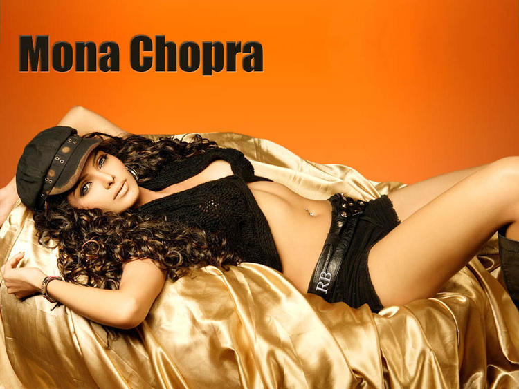 Mona Chopra Curly Hair Spicy Wallpaper