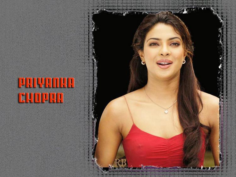 Priyanka Chopra Cute Smile Fresh Wallpaper