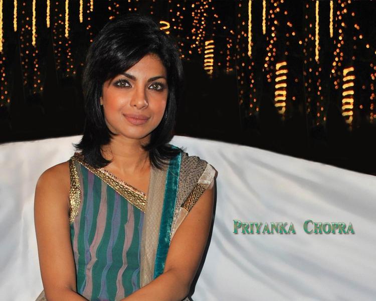 Priyanka Chopra Latest Hair Style Wallpaper