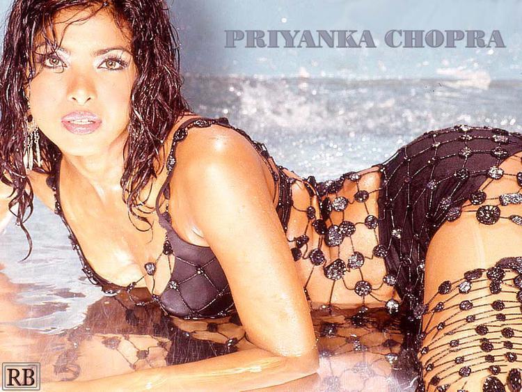 Priyanka Chopra Latest Shocking Glamour Wallpaper