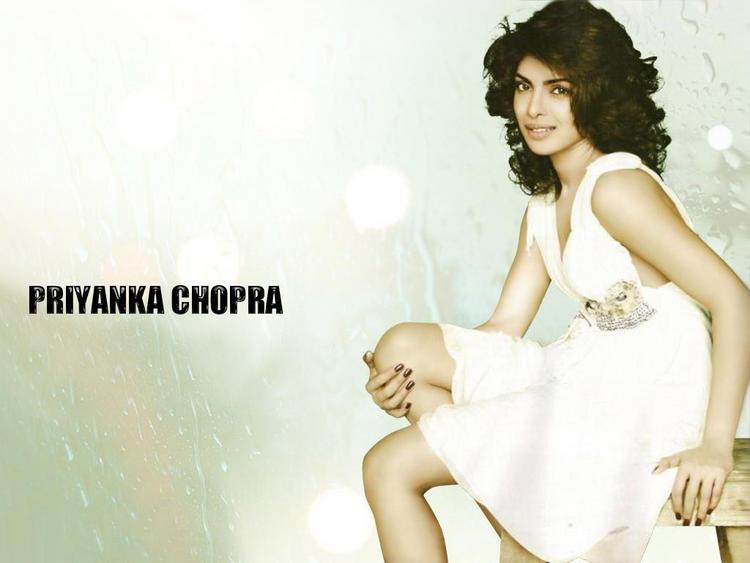 Priyanka Chopra Short Hair Wallpaper
