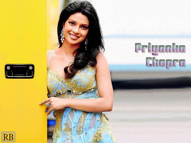 Priyanka Chopra Sweet Cool Look Wallpaper