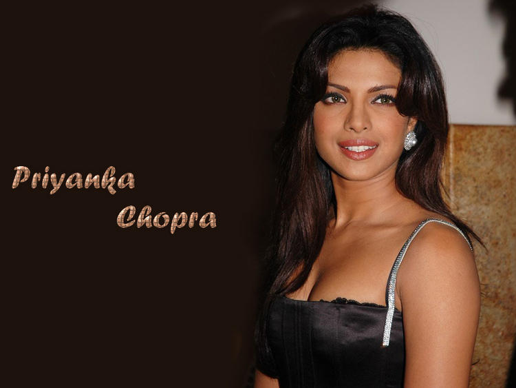 Sexy Smile Face Wallpaper Of Priyanka Chopra