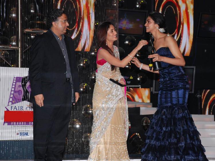 Deepika Padukone Amazing Gown Still