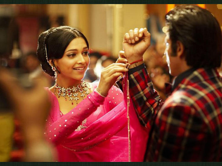Deepika Padukone and Shahrukh Khan In Om Shanti Om
