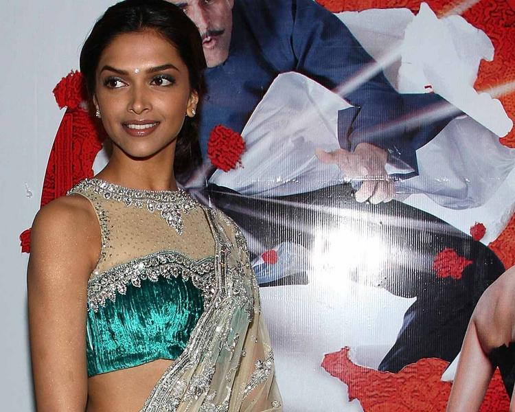 Deepika Padukone Gorgeous Saree Still