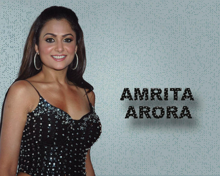 Amrita Arora Smile Face Glam Wallpaper