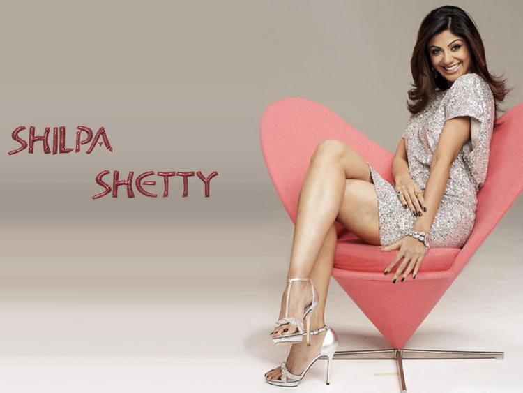 Shilpa Shetty Latest Cute Sweet Wallpaper