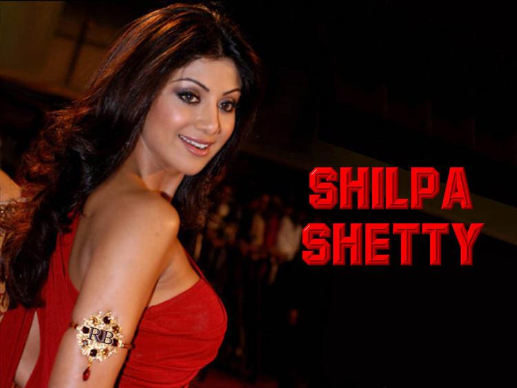 Shilpa Shetty Sweet Look Wallpaper