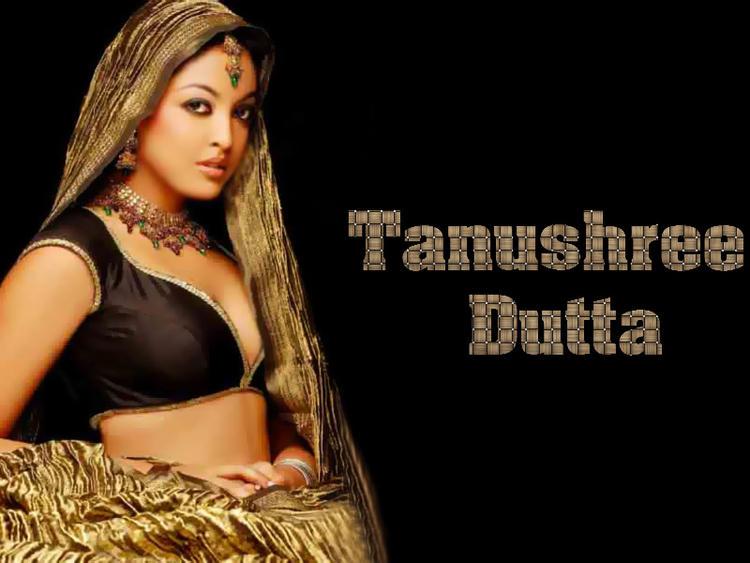 Tanushree Dutta Beautiful Look Wallpaper