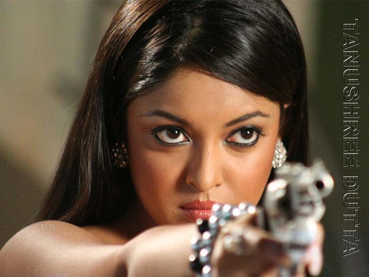 Tanushree Dutta Killer Look Wallpaper