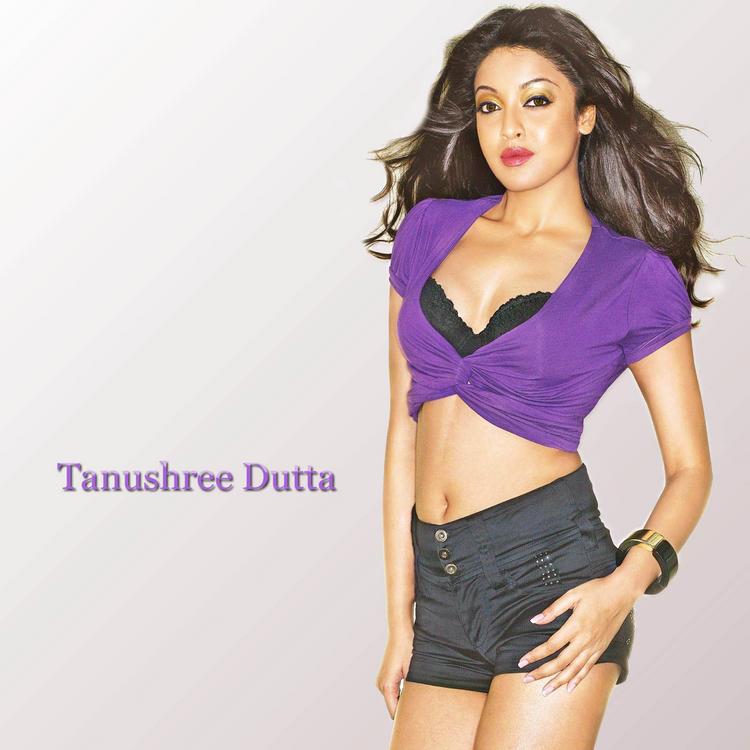 Tanushree Dutta Sexy Awesome Face Wallpaper