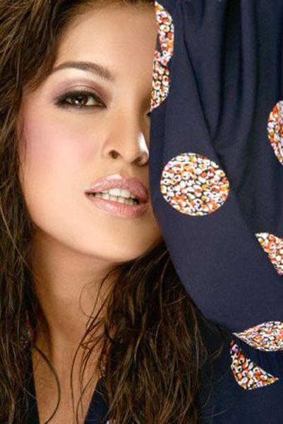 Tanushree Dutta Sexy Eye and Wet Lips Wallpaper