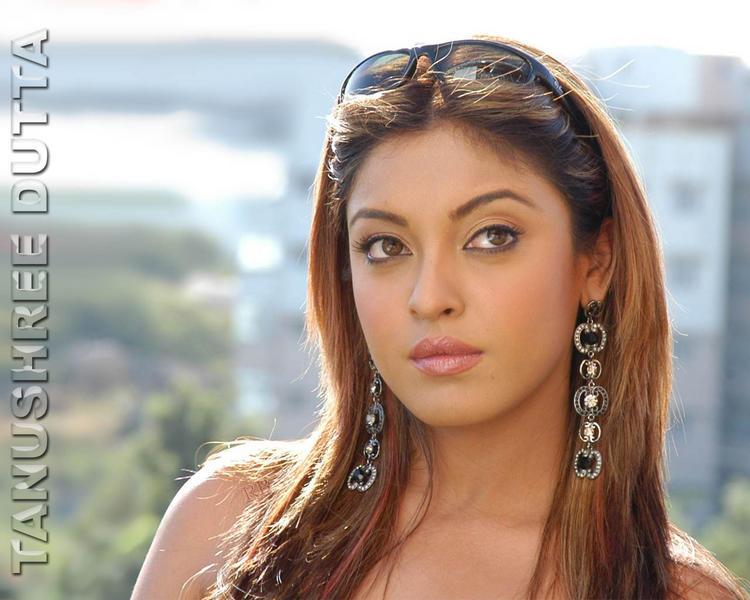 Tanushree Dutta Stunning Face Brown Hair Wallpaper