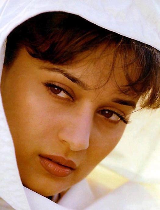Madhuri Dixit Face Look Wallpaper