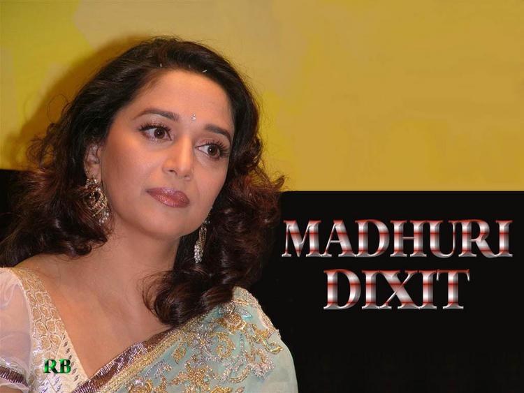 Madhuri Dixit Nice Look Wallpaper