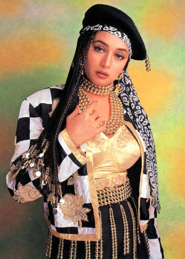 Madhuri Dixit Romantic Look Wallpaper