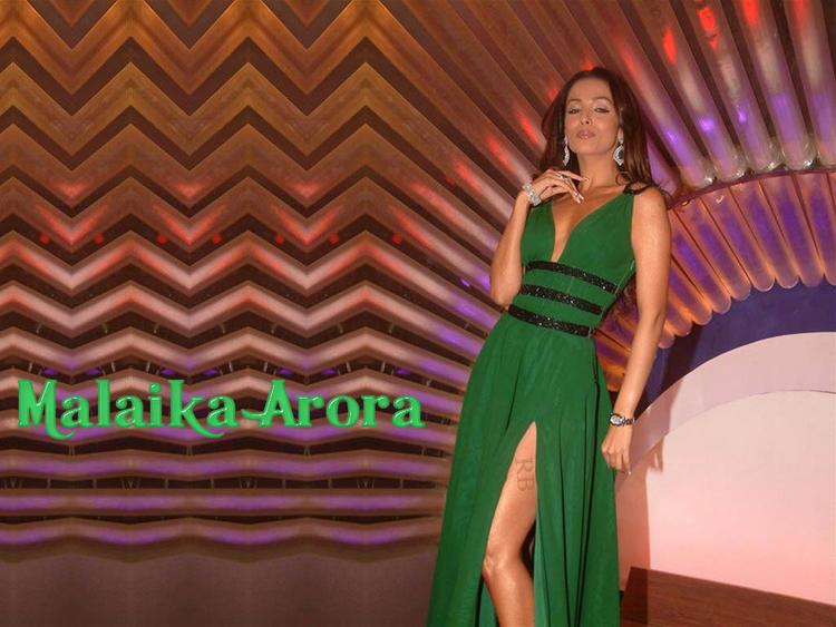 Malaika Arora Sexy Green Dress Wallpaper