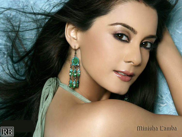 Minisha Lamba Romantic Face Look Wallpaper