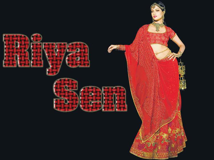 Riya Sen Beautiful dress Wallpaper