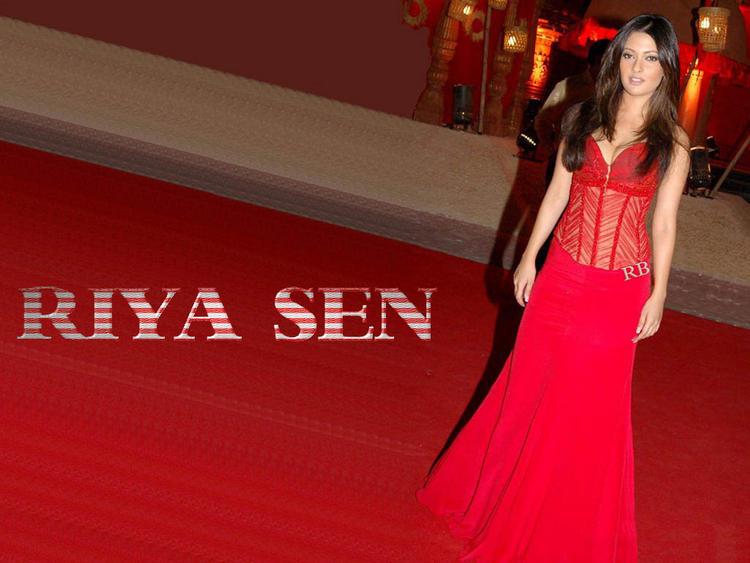 Riya Sen Beautiful Red Gown Wallpaper