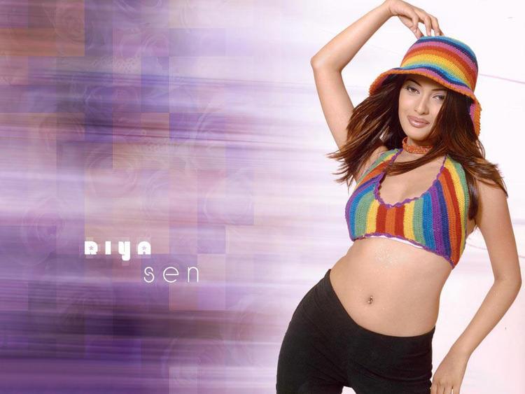 Riya Sen Hot Navel Show Cute Wallpaper