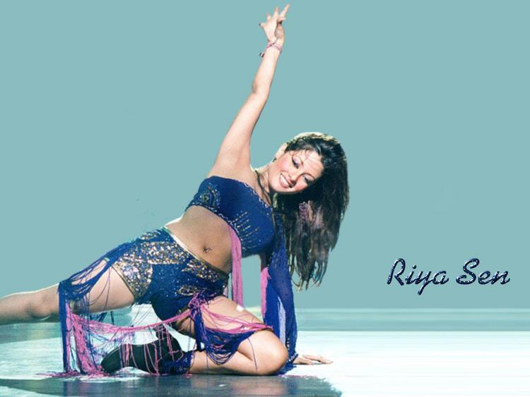 Riya Sen Sexy Dace Still