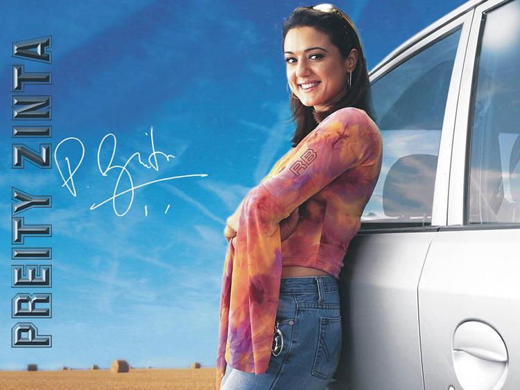 Preity Zinta Cute Smily Face Wallpaper