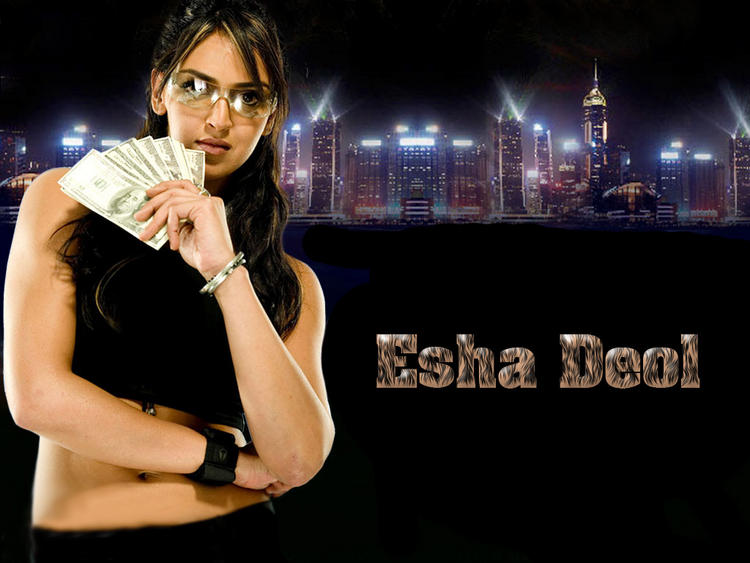 Esha Deol Hot Wallpaper With Money