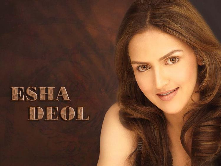 Esha Deol Romantic Face Wallpaper
