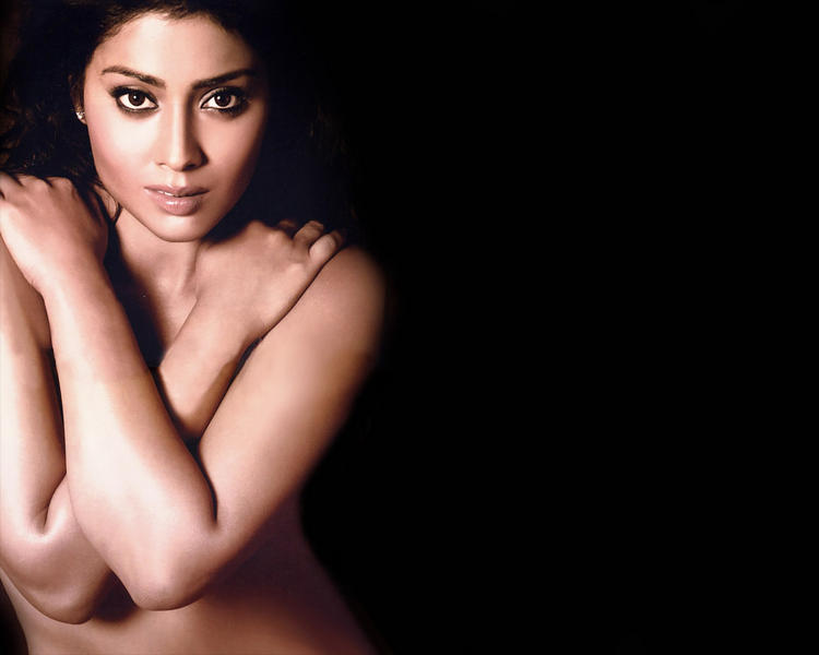 Shriya Saran Nude Wallpaper