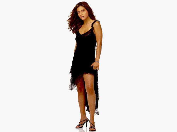 Kajol Devgan Sexy Legs and Hot Wallpaper