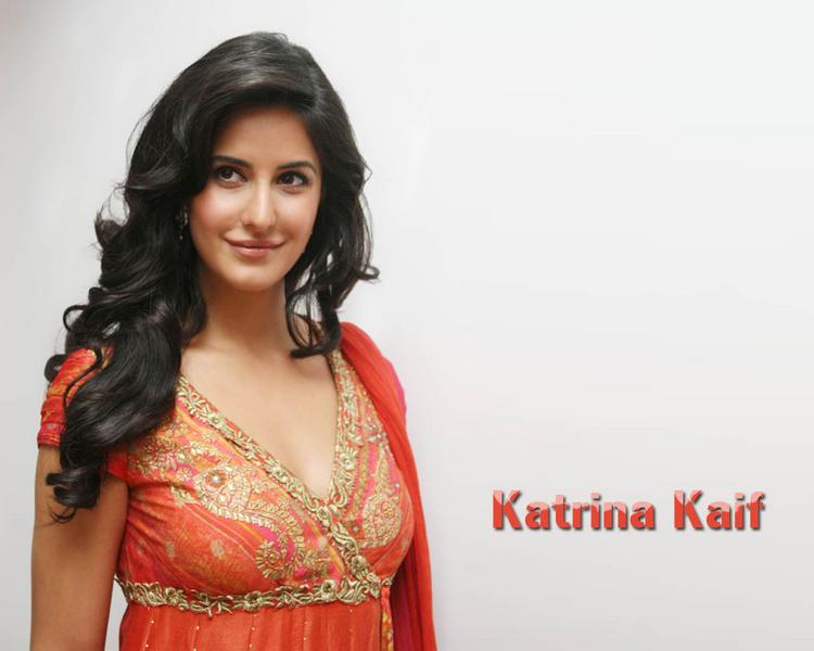 Katrina Kaif Curly Hair Sweet Look Wallpaper